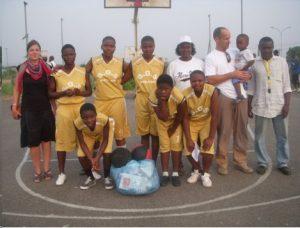 Basketball for Development unterstützt Müllsammelaktion