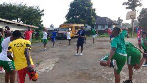 Basketballtraining mit PCSS Buea 5